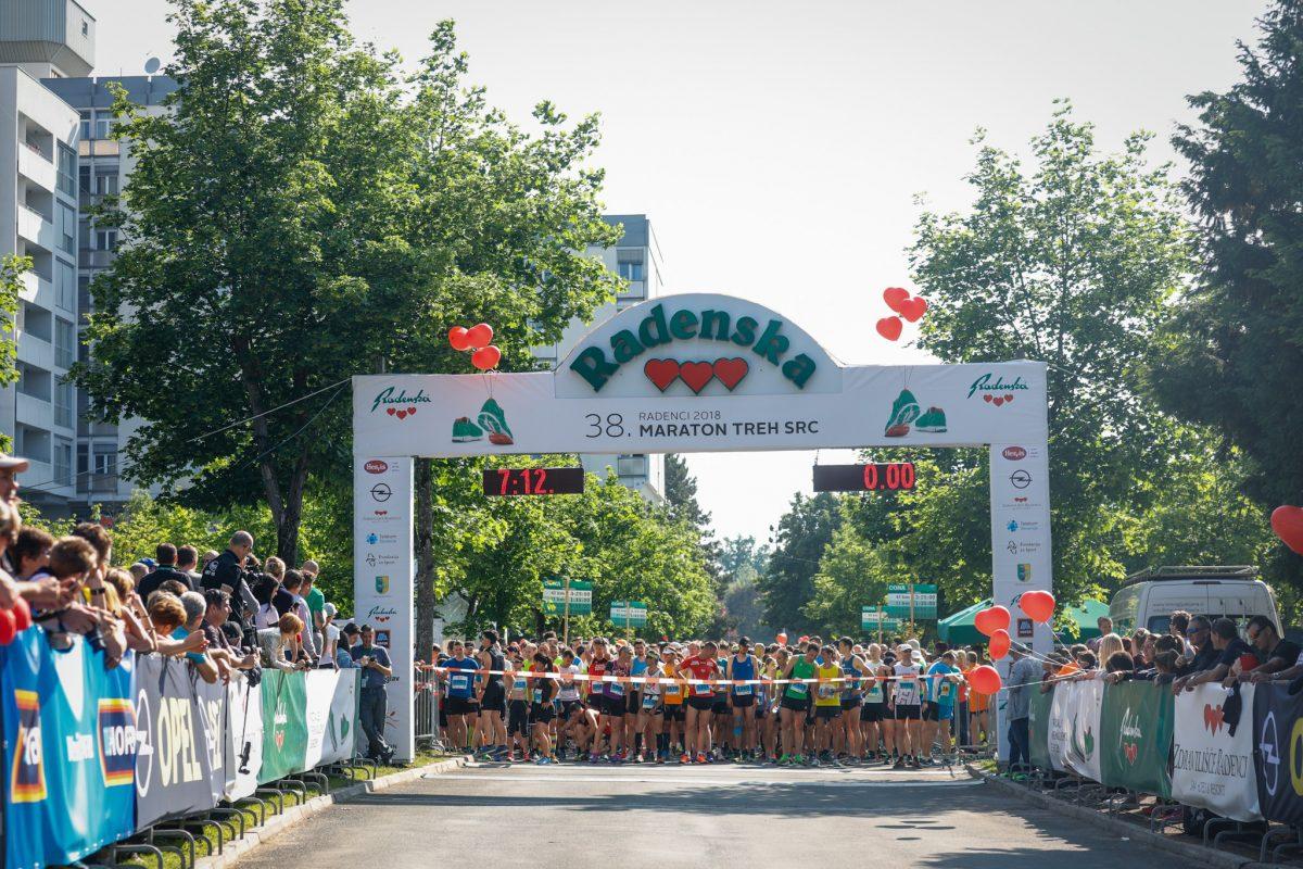 Maraton treh src prva tekaška prireditev, ki pozdravlja pasje prijatelje