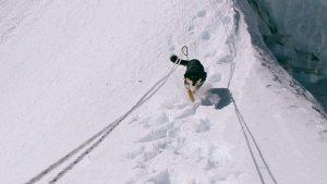 Ulična psička Mera postala prvi pes, ki je stal na himalajskem vrhu