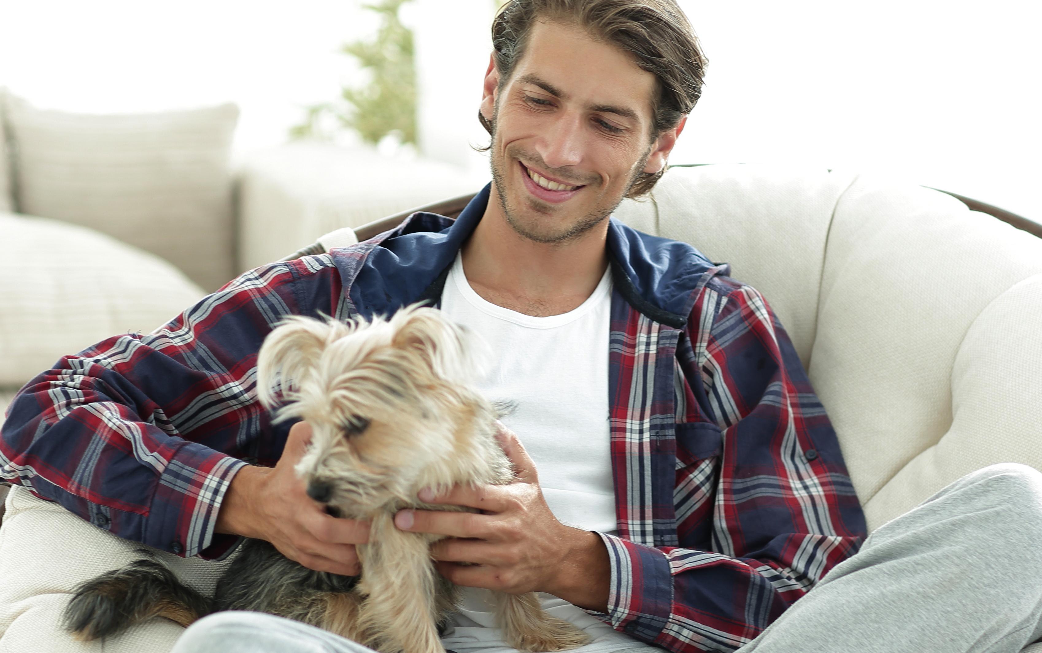 Moški, ki imajo psa, so bolj privlačni