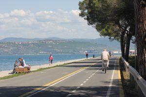Po obalni pešpoti od Izole do Kopra